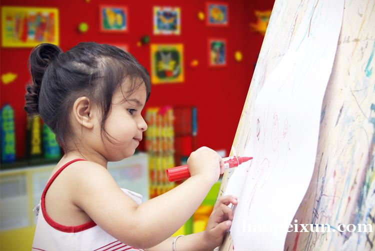 微米班(2岁)快乐亲子艺术启蒙培训班